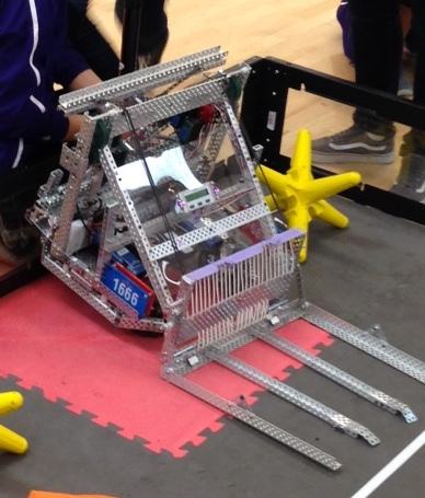 """Starstruck robot showing rope """"grille"""""""